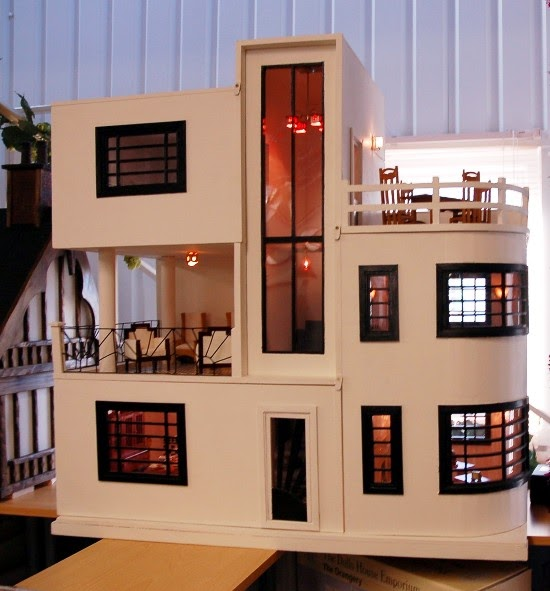 Dream dollhouses art deco dream house for Dream house days furniture