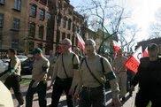 Demonstruja polscy nazisci