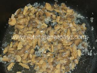 Piept de pui cu smantana si ciuperci