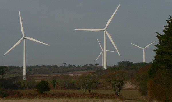 Photo des éoliennes de Plozévet - Kergabet dans le Finitère