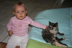 mona et son copain caramel (chat des voisins)