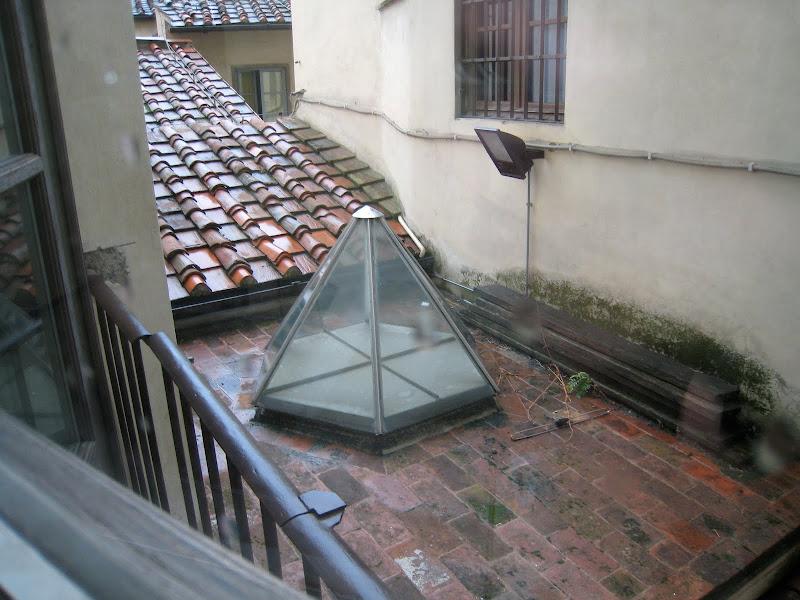 Uffizi Gallery skylight title=