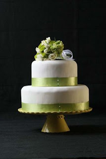 wedding wedding cake , fondant wedding cake green ribbon2