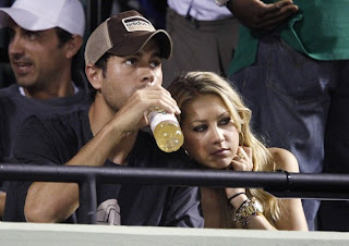 Picture of Anna Kournikova and Enrique Iglesias watching Williams sisters tennis match in Key Biscayne, Miami