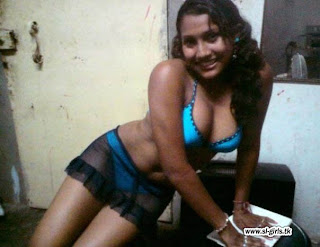 hot sexy celebrities pictures sri lankan girl with the bikini hot hot