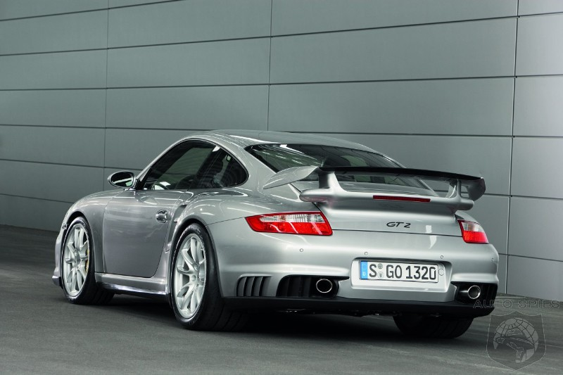 2011 Porsche 911 GT2 RS - Driving Impressions