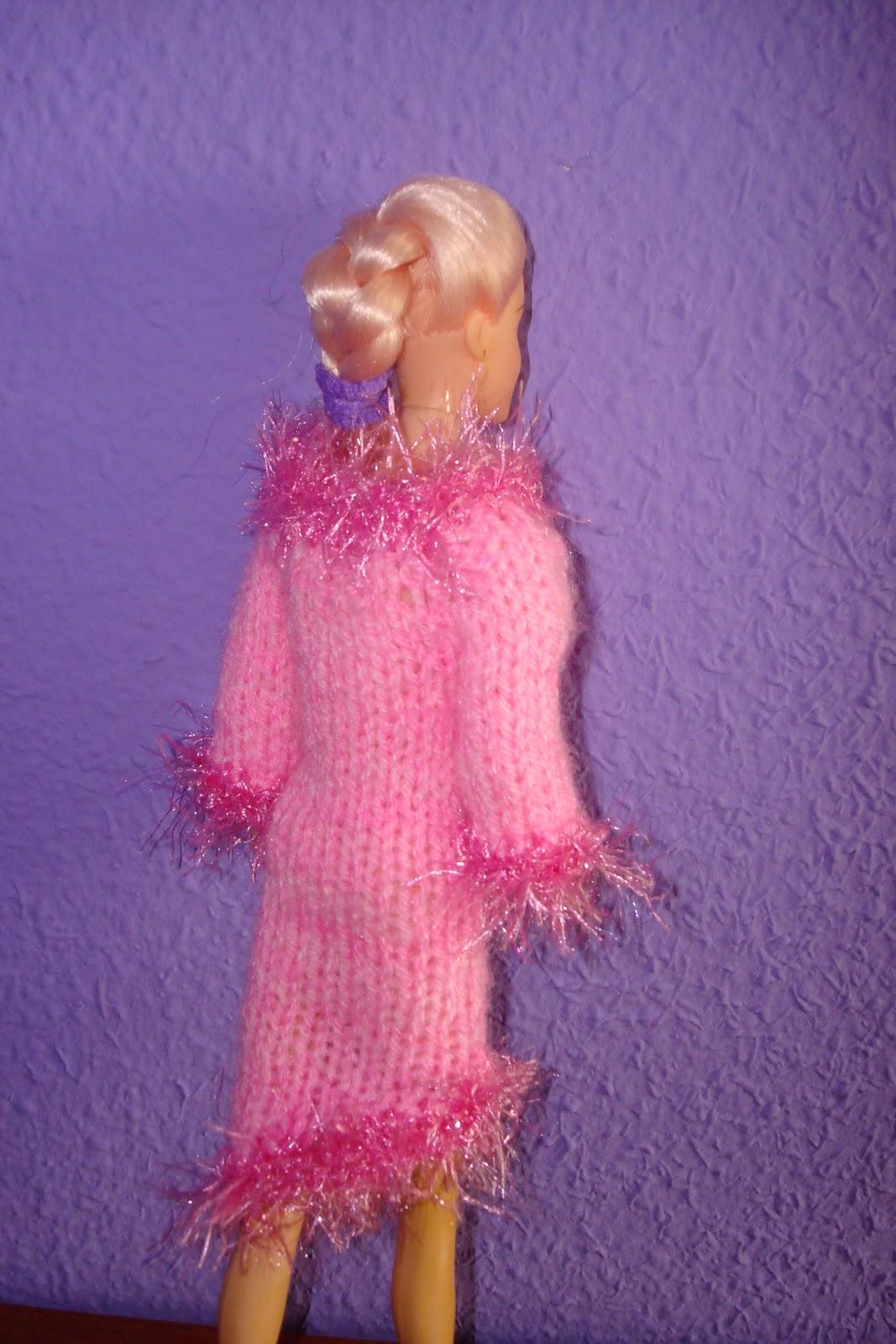 http://3.bp.blogspot.com/_mk65hKB6XyQ/TSffonVjIII/AAAAAAAAAEE/YdZ9JIk-pg0/s1600/Barbie+006.JPG