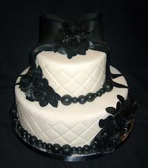 Bizcocho de boda negro y blanco