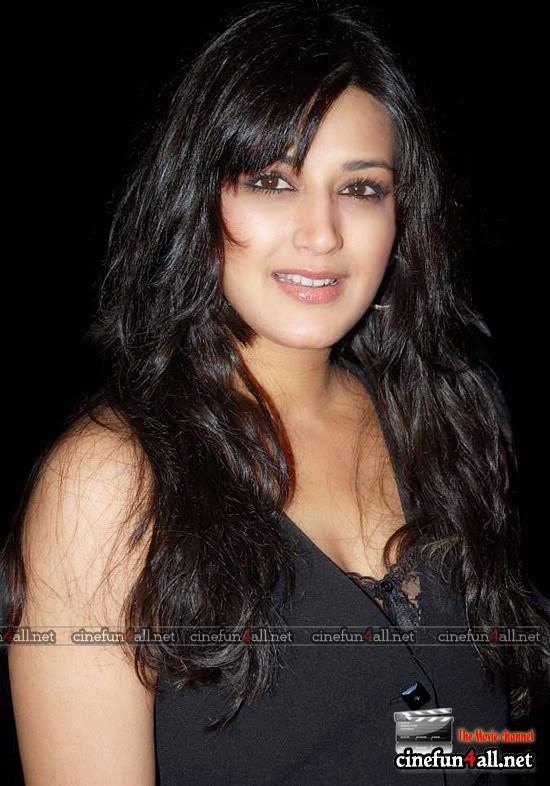 sonali bendre real neget photo