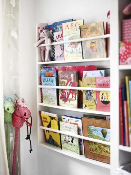 Barnböcker är så fina, så de vill man ju ha med framsidan utåt