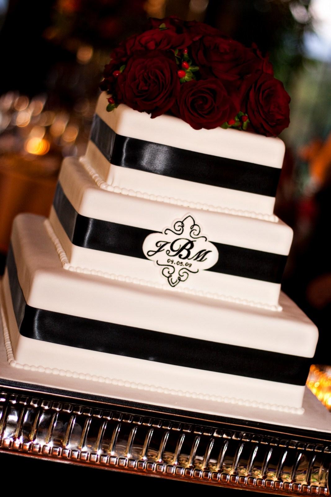 cake girls of sacramento rebecca salinas sweet cakes by rebecca. Black Bedroom Furniture Sets. Home Design Ideas