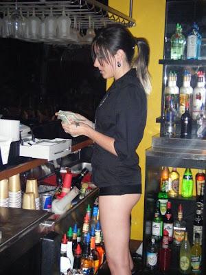 hot bartenders 18 Recopilación de fotos de camareras