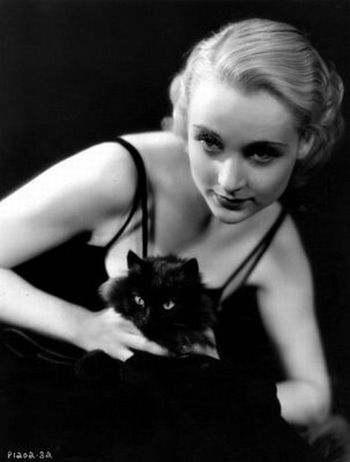 [Celebrities_and_their_cats_36.jpg]