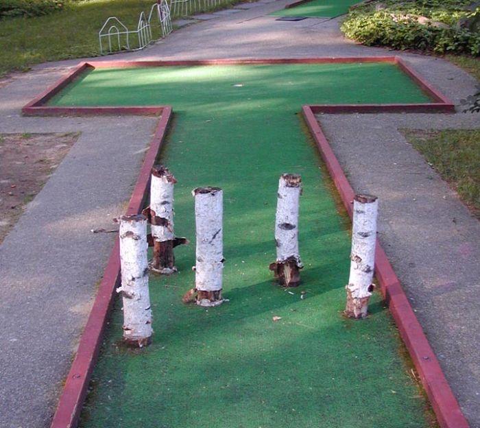 how to build a putt putt golf course