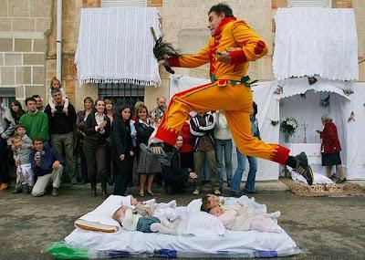 �������� �������� ����� >> ���� baby-jumping-festiva