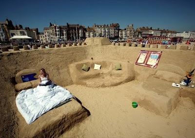 http://3.bp.blogspot.com/_mmBw3uzPnJI/SI15QxQEQVI/AAAAAAAAQJQ/Y3EiONSabPw/s1600/Sand_Hotel_01.jpg