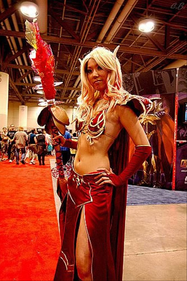 naked World girls of cosplay warcraft