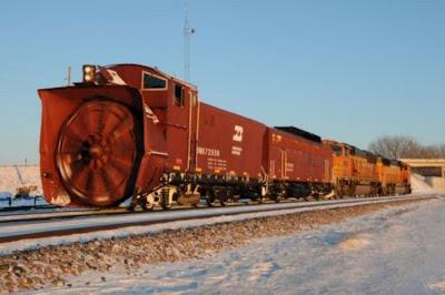 القطارات كاسحة الجليد