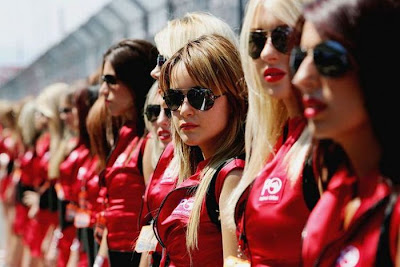 http://3.bp.blogspot.com/_mmBw3uzPnJI/S_vAhA-5qnI/AAAAAAABSPE/K1-zHz0kTVc/s1600/Formula1_Pit_Babes_16.jpg