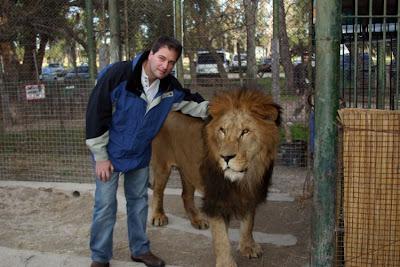 Kebun Binatang Paling Berbahaya di Dunia - Lujan Zoo26