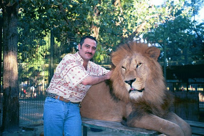 Kebun Binatang Paling Berbahaya di Dunia - Lujan Zoo13