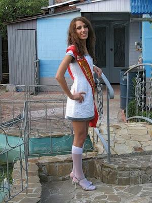 Russian School Graduation Girls Damn Cool Pictures
