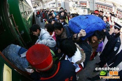 crowded train stations in china 19 Inilah Antrian Terpanjang di Dunia !