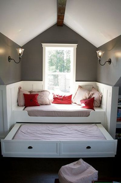 Expendable drawers bed