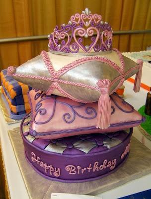 فن الحلويات Creative_cake_designs_18