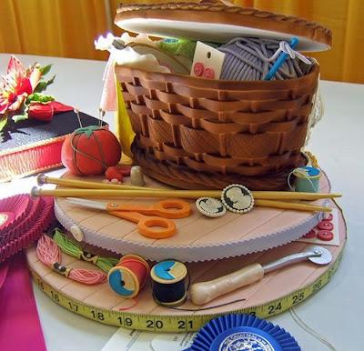 فن الحلويات Creative_cake_designs_15