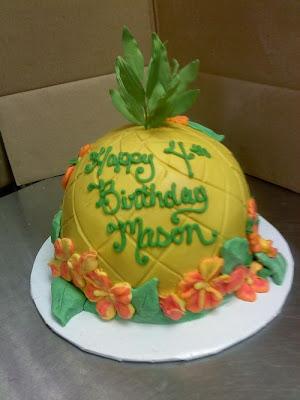 فن الحلويات Creative_cake_designs_09