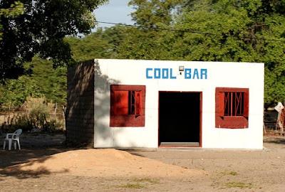 http://3.bp.blogspot.com/_mmBw3uzPnJI/TEgy6gsKsII/AAAAAAABdgg/0QukqKrDAak/s1600/bars_in_namibia_07.jpg