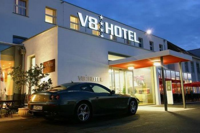 v8 hotel in stuttgart germany damn cool pictures. Black Bedroom Furniture Sets. Home Design Ideas