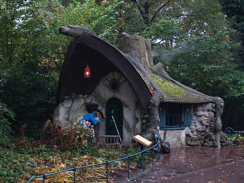 Amazing fairy tale houses in real world my way for Witches cottage house plans