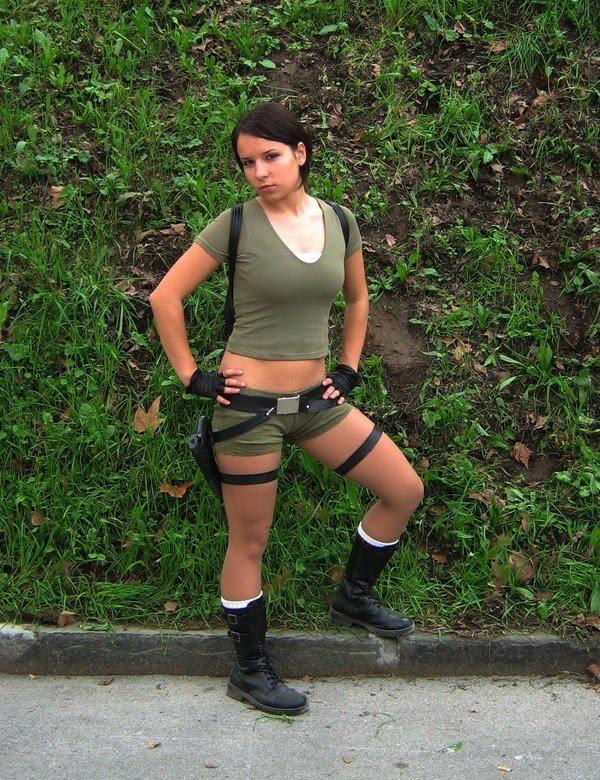 http://3.bp.blogspot.com/_mmBw3uzPnJI/TLV1HHafzfI/AAAAAAABq-0/3bk14mTSOM4/s1600/lara_croft_cosplay_27.jpg
