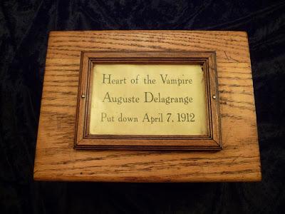 Ternyata di Ebay ada di jual jantung Vampir yg asli