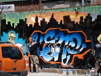 activities to make graffiti alphabets on the walls of the zinc
