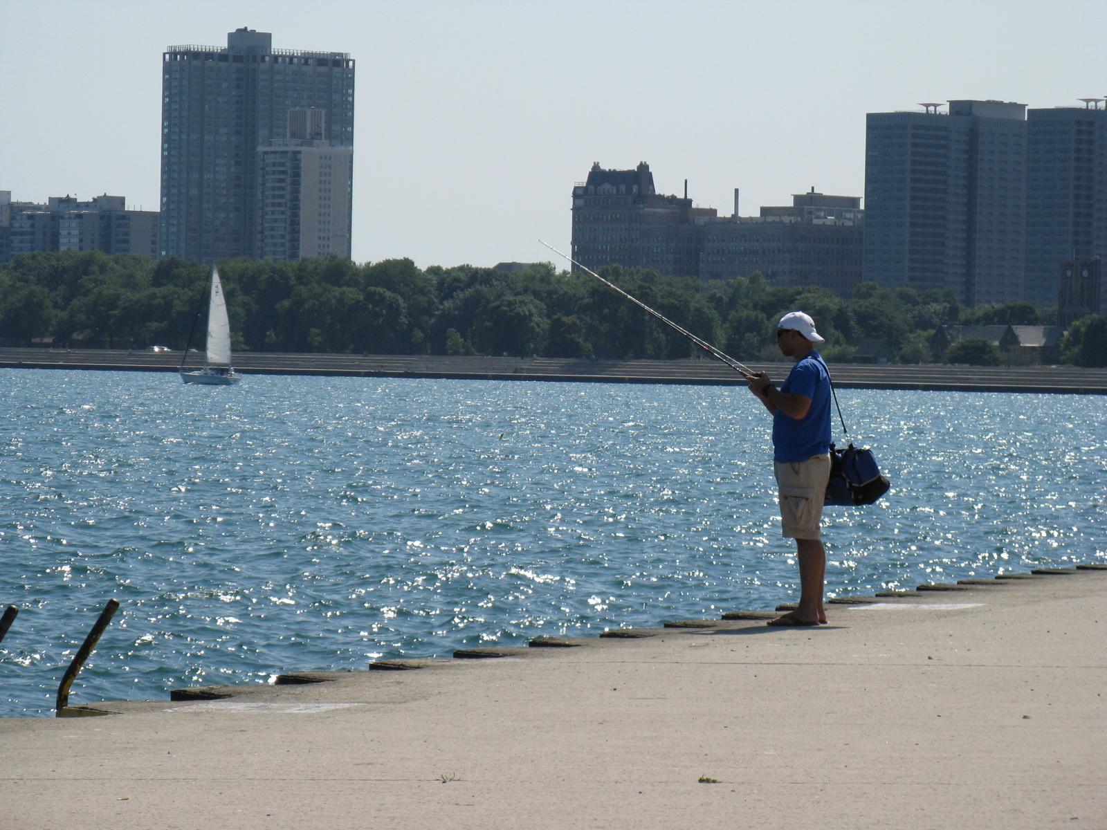 Chicago photos fishing by the lake michigan for Fishing lake michigan