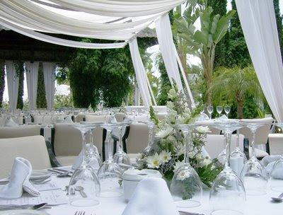 Centros mesa sencillos para boda novias bodas blog - Decoraciones para bodas sencillas ...