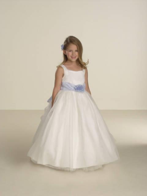 Modelos de vestidos para niñas de promoción de 5 años - Imagui