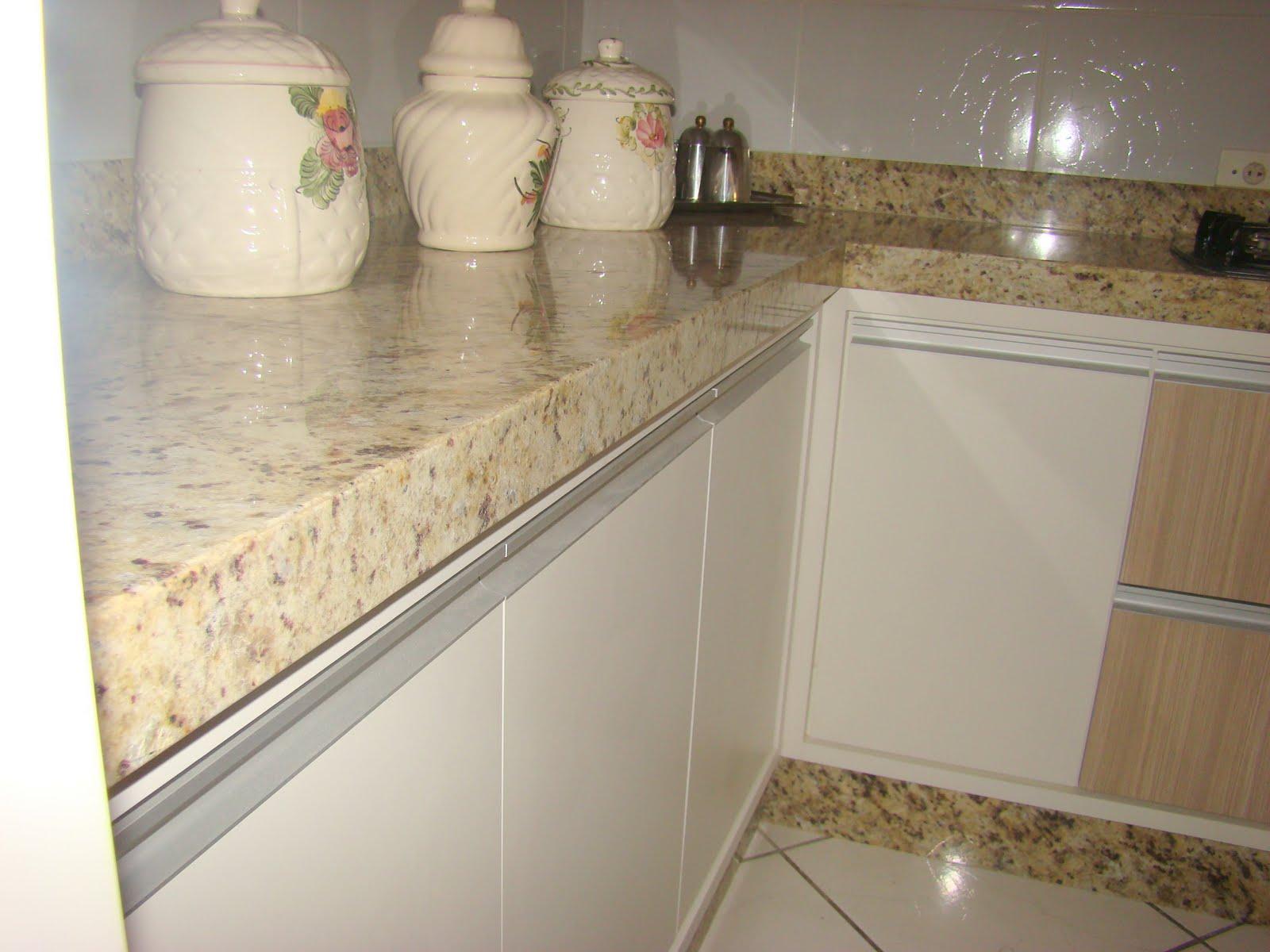 Granitos e Mármores: Cozinhas em Granito #816F4A 1600x1200 Banheiro Com Granito Ornamental