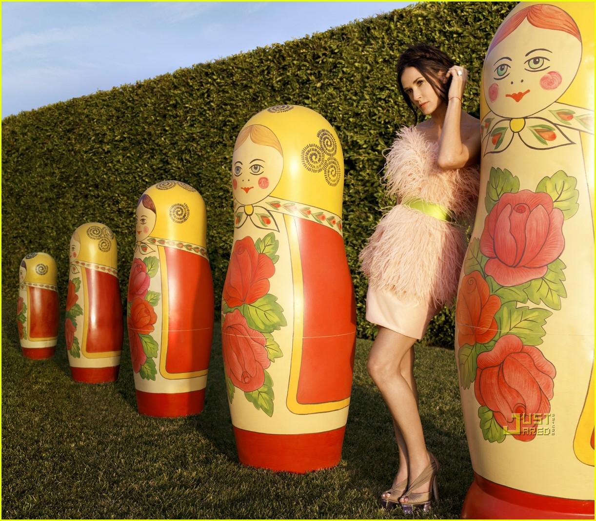 http://3.bp.blogspot.com/_mr3HTWb0vRk/TFkLMwQYEbI/AAAAAAAADnE/uLAs2AMz3-8/s1600/demi-moore-harpers-bazaar-april-2010-cover-02.jpg