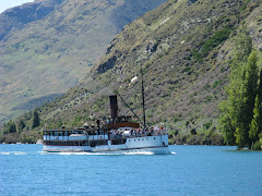 steamer on lake wakatipu