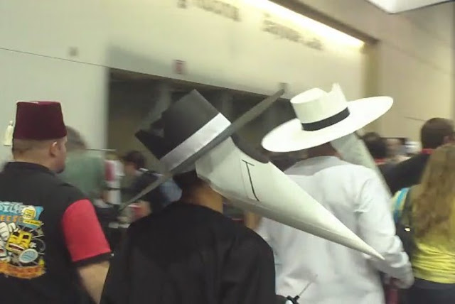 Spy vs. Spy cosplayers. Photo by Jimmy J. Aquino.