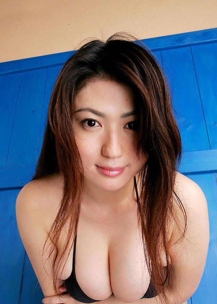 nonami takizawa beach bikini photos 03
