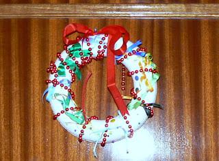Manualidades amanda adorno de navidad para la puerta for Adorno navidad puerta entrada