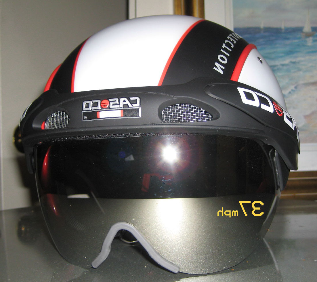 casco helmet with heads up display hud
