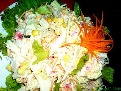 Articole culinare : Salata de surimi cu legume