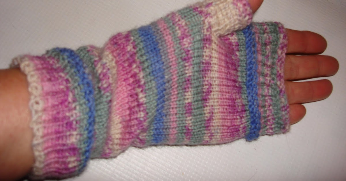 LOOM KNITTING AND SOMETHING ELSE: Fingerless Gloves with sock yarn