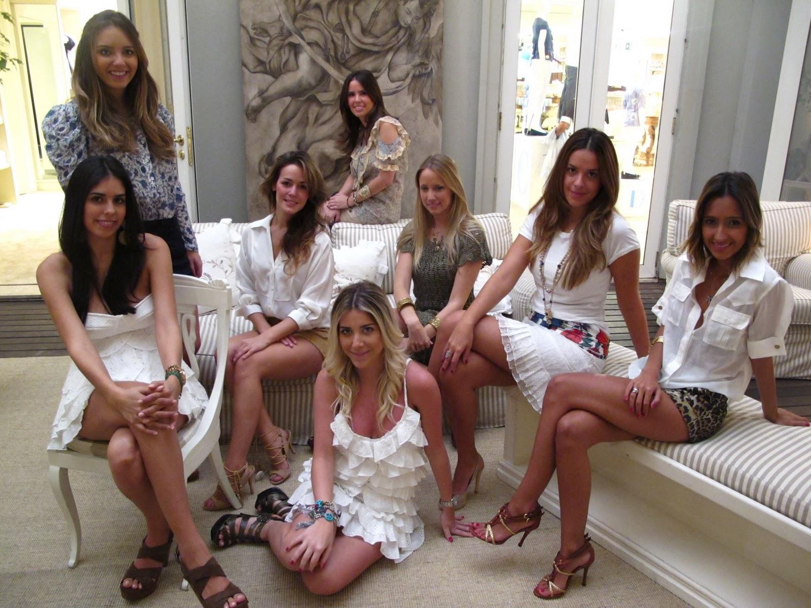 http://3.bp.blogspot.com/_mu77vgtcUyU/TL7-MX4nTYI/AAAAAAAAAbw/bw8KVi5RwYY/s1600/Daslu+Girls+01.jpg